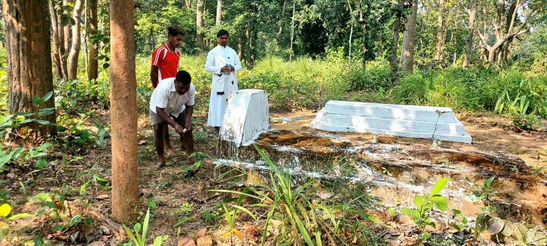 Baswar, India: Remembering the Dead