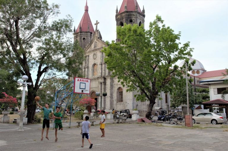 Philippines:Island of Panay Overwhelmed by Number of Covid Deaths