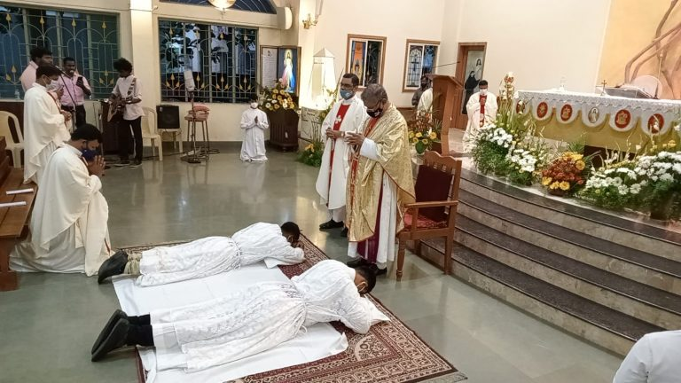 Pune, India: Two Young Mill Hill Missionaries Ordained Deacons